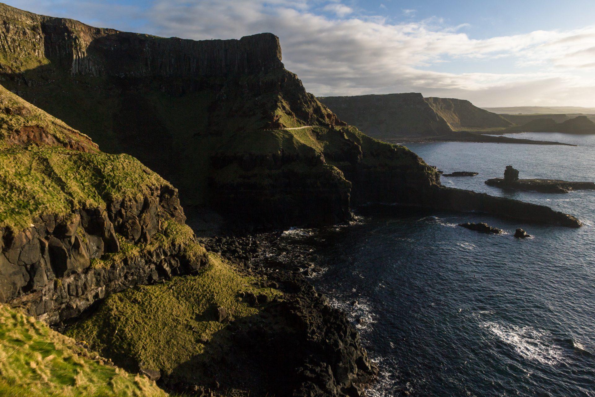 Klippblock vid Nordirland kust