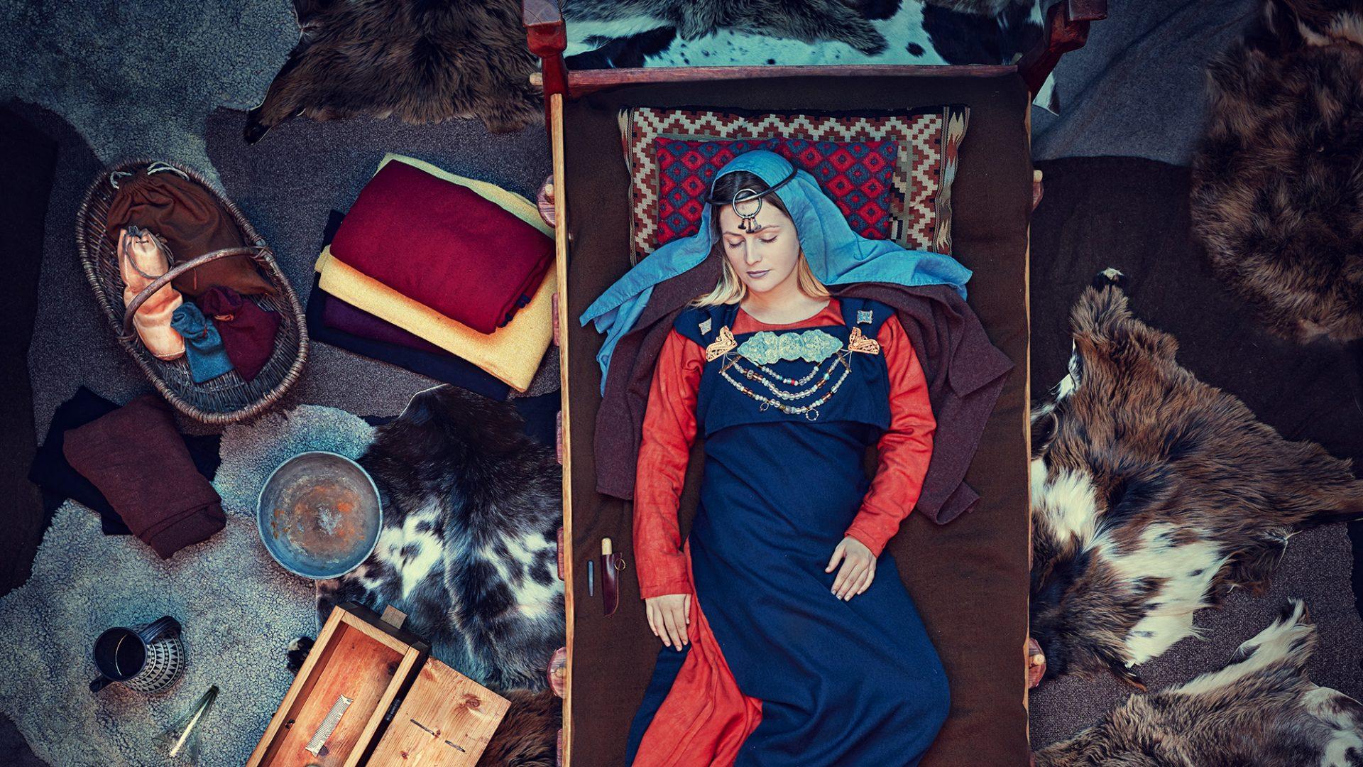 Birkakvinna som ligger begravd tillsammans med hennes tillhörigheter