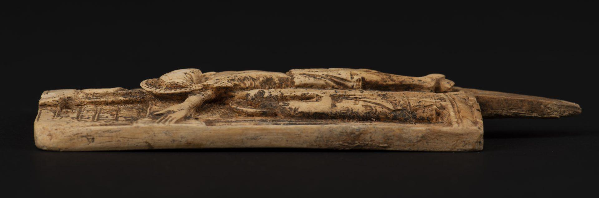 Foto av Jesusavbildning av valrossen. Bilden är i relief.
