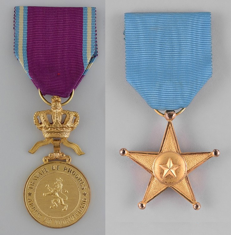 En rund medalj av guld med vinrött band och en stjärnformad medalj av guld med blått band.