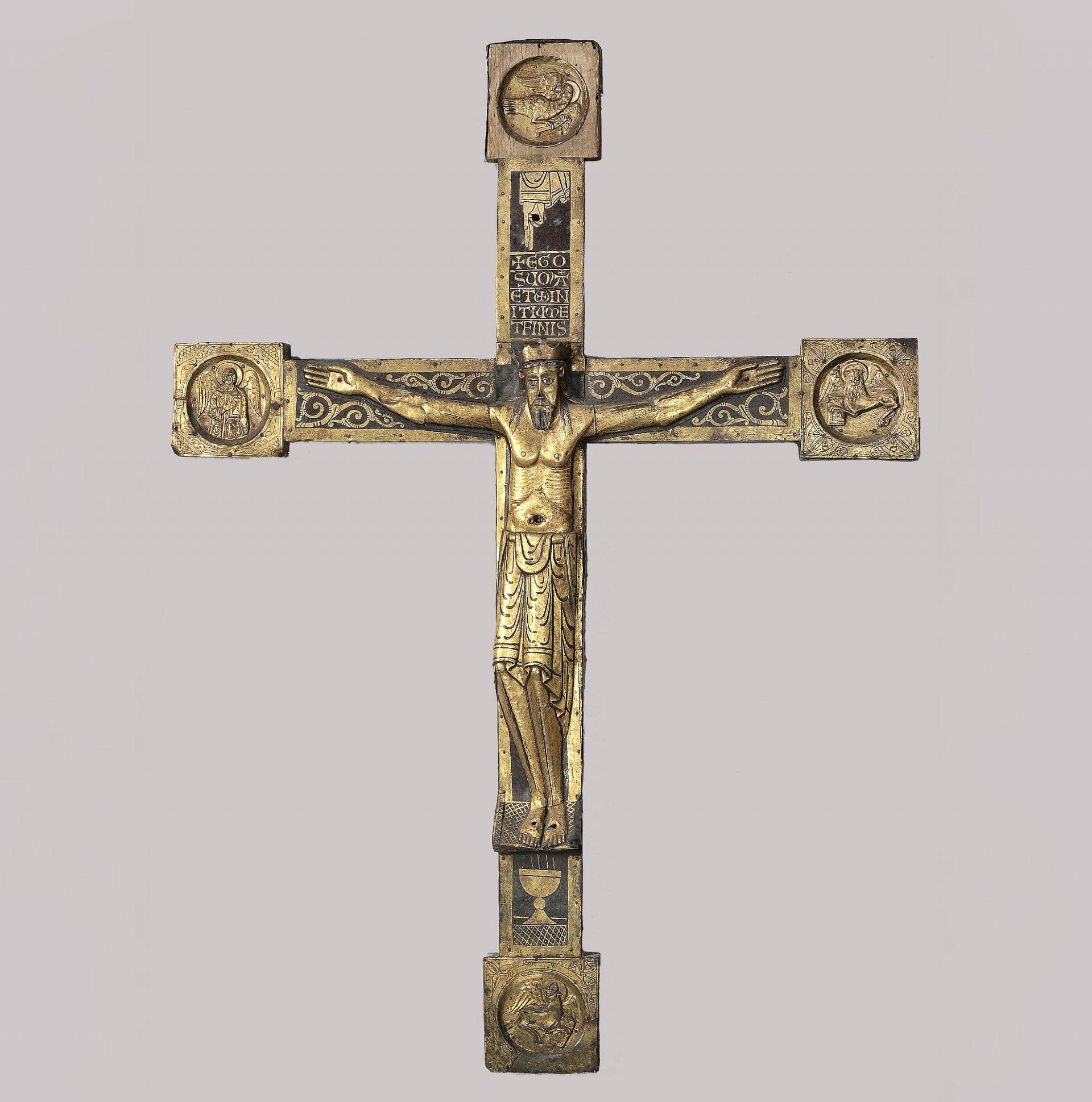 Krucifix av brons med svartmålad dekor. Från Broddetorps kyrka.