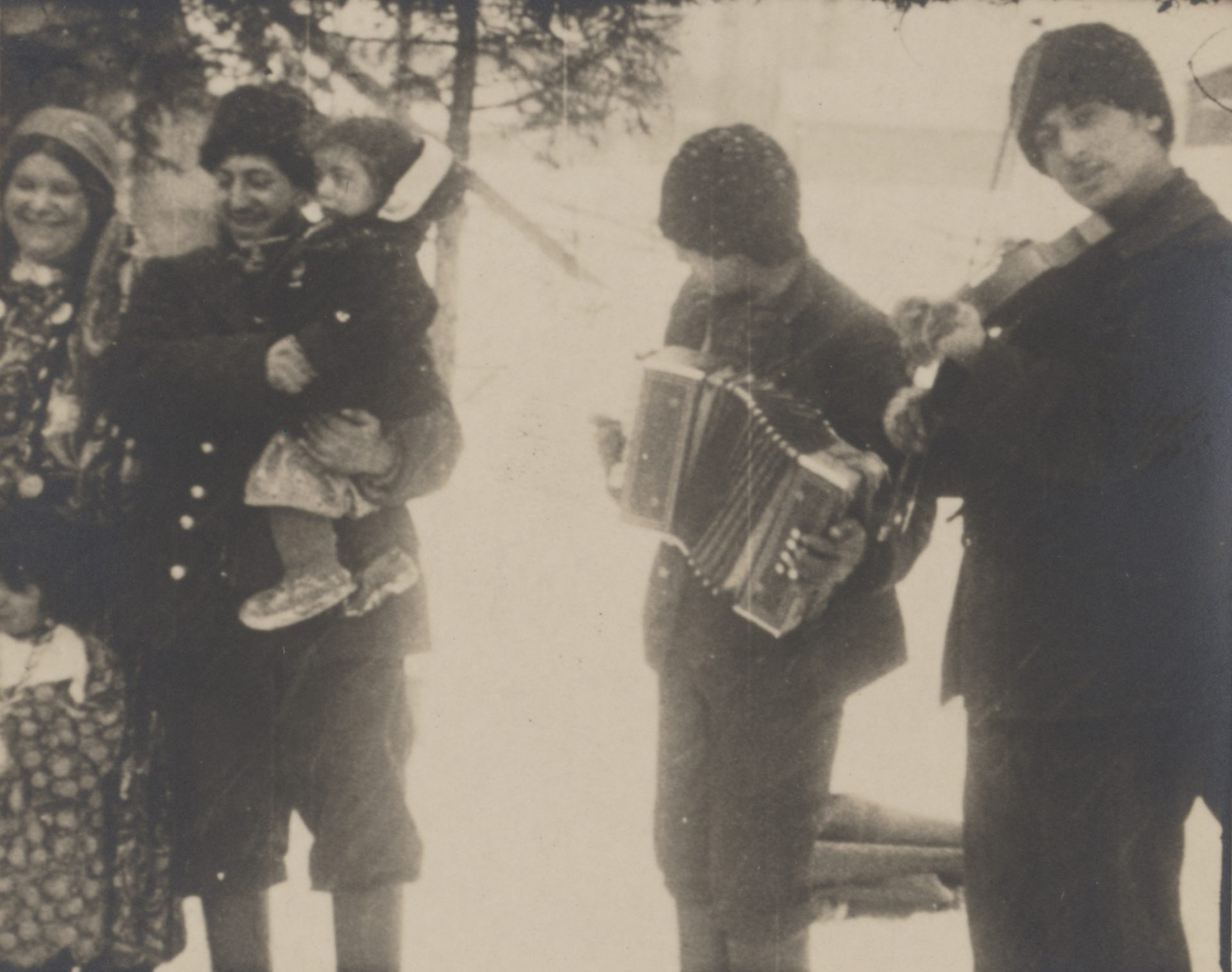 Fyra män som spelar på instrument.